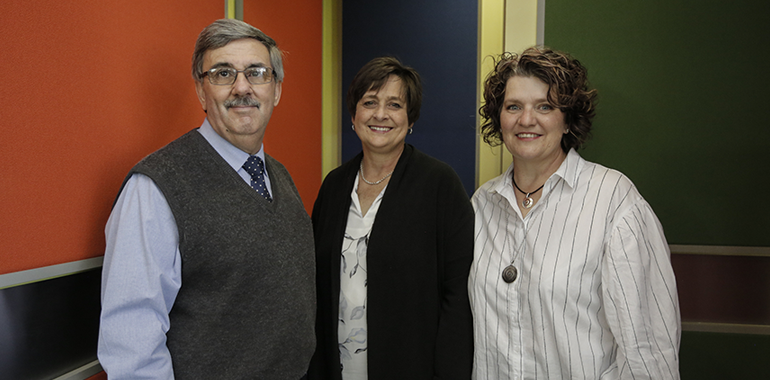 Photo (Left) Dolf Jordaan, Deputy Director of E-Learning and Media Development (Central) Detken Scheepers, Head of E-Learning and (Right) Adriana Botha, Head Education Consultant, Faculty of Engineering, Built Environment and Information Technology at University of Pretoria